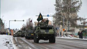 Puolustusvoimien paraati Kajaanissa.
