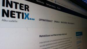 Internetix tarjoaa opiskelumahdollisuuden verkossa.