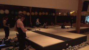 Oululaisen liikuntakeskus Hukan joogatunti alkamassa