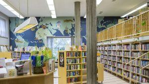 Lauritsalan kirjasto 2016.