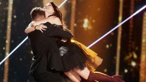 Saara Aalto pääsi  X Factor –finaalin toiselle kierrokselle.