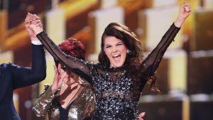 Saara Aalto X Factor -kilpailun finaalissa 11. joulukuuta.