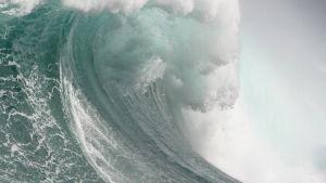 Iso meren aalto lähellä Kapkaupunkia Etelä-Afrikassa 30. heinäkuuta 2007.
