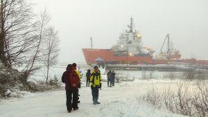 Polar Explorer matkailujäänmurtaja Kalixin Axelsvikin laiturissa Ruotsissa 19.12.2016