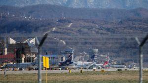 Yleiskuva lentokentältä