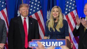 Donald ja Ivanka Trump Etelä-Carolinassa 20. helmikuuta 2016.