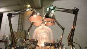 Jari Haanperän valoteosta valmistellaan Lux In -näyttelyyn.