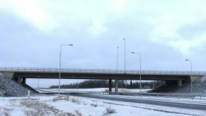 Takamäen risteyssilta Seinäjoen itäisellä ohikulkutiellä.