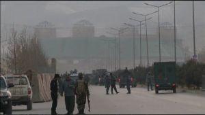 Talibanit tekivät tuhoisan kaksoispommi-iskun parlamentin kupeessa Kabulissa.