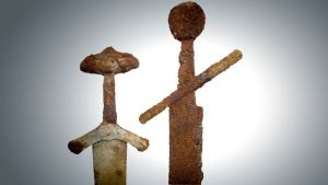 Janakkalan miekkamiehen miekat