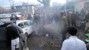 Pommi-iskun jälkiä Parachinarissa Pakistanissa.