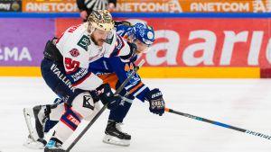 HIFK:n Juhamatti Aaltonen ja Tapparan Jan-Mikael Järvinen