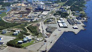 Ilmakuva Pietarsaaren satama-alueesta
