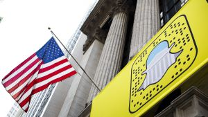 Snap-yhtiön logo New Yorkin pörssin edustalla.