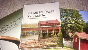 Kolmeosainen arkkitehti ja tietokirjailoja Rurik Wasastjernan palkittu teos Kuusankosken rakennusperinnöstä
