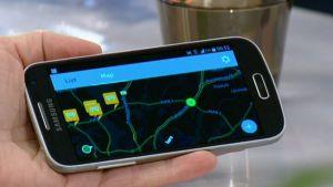 Trafin Ilkka Kotilainen kertoi kokeiluhankkeesta, jossa autoilijat pystyvät välittämään reaaliaikaista liikenneturvatietoa toisille autoilijoille kännyköiden avulla.