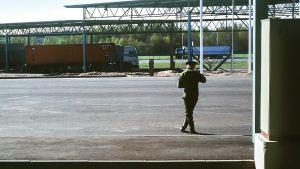 Venäjän rajanylityspiste kuvattuna vuonna 1997.