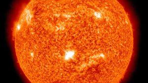 NASAn julkaisemassa kuvassa näkyy aurinkomyrskyjä auringon pinnalla.
