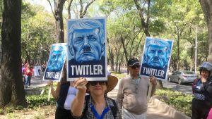 Pilailua Twitteriä innokkaasti käyttävän presidentin kustannuksella.