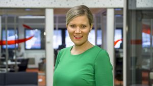 Kansanedustaja Sofia Vikman Yle Tampereen toimipaikassa.