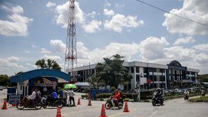 Malesian Sepangin poliisiasema perjantaina 17. helmikuuta 2017. Malesian poliisi on pidättänyt neljä ihmistä epäiltynä kytköksistä Pohjois-Korean johtajan velipuolen surmaan.