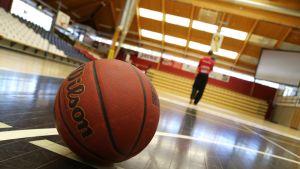 koripallo koripallokentällä