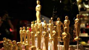 Oscar-gaala 2017 palkintopatsaita.