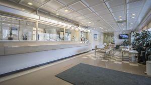 Rautalammin terveyskeskuksen aula.