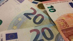Seteli seteleitä setelit raha rahaa rahat euro euroja eurot valuutta money