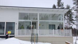 Kuva talon terassista