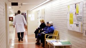 Terveyskeskuksen odotustilat.