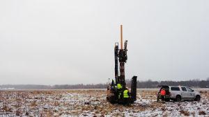 GTK ja Stara tekevät maaperätutkimuksia Malmin lentokentän alueella.