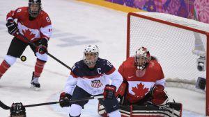 Yhdysvaltain naisten jääkiekkomaajoukkueen kapteeni Meghan Duggan.