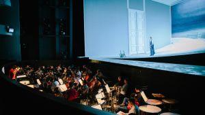Kansallisoopperan orkesteri, Jevgeni Onegin, maaliskuu 2017, lavalla Tuomas Katajala