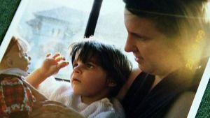 Anitan Roiko adoptiotyttärensä kanssa vuonna 1999 otetussa valokuvassa.