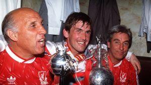 Ronnie Moran, Kenny Dalglish ja Roy Evans vuonna 1990.