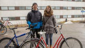 Tuomas Sulander ja Hanna Haajanen Espoon Nihtisillan tavaratalossa