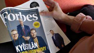 Suomen ensimmäinen Forbes -lehti.