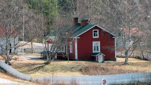 Katajarannan entinen päiväkoti, entinen kulkutautisairaala, punainen tupa