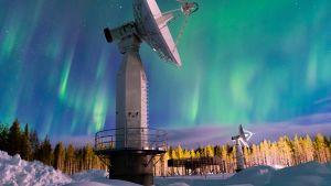 Satelliittidatan vastaanottoantenneja Sodankylässä.