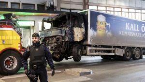 Terrori-iskussa käytetty rekka.