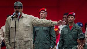 Venezuelan presidentti Nicolás Maduro osallistui puolisotilaallisten miliisijoukkojen marssiin