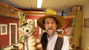 Jouni Jalarvo on palannut Pesosen rooliin viiden vuoden tauon jälkeen. Mukana kulkee edelleen Viiru-kissa.