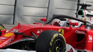 Sebastian Vettel ja halo-kaari Abu Dhabissa 2016.