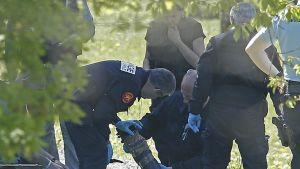 Ranskan poliisi tutki Etan asekätköä Saint-Pée-sur-Nivellessä Etelä-Ranskassa