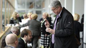 Perhe- ja peruspalveluministeri Juha Rehula keskustan puoluevaltuuston vuosikokouksessa Tampereella 22. huhtikuuta.