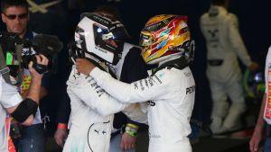 Näin lämpimät välit nähtiin Mercedes-kuljettajien välillä Sotshin GP:n jälkeen.