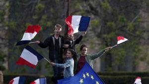 Ranskan presidentinvaalit voittaneen Emmanuel Macronin kannattajia