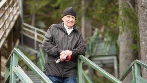 Kuopiolainen Alpo Ojapelto on tuttu näky Puijon portaissa