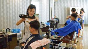 Munsun vesipuistossa parturikäynti maksaa 3000 wonia, noin virallisen kuukausipalkan verran.